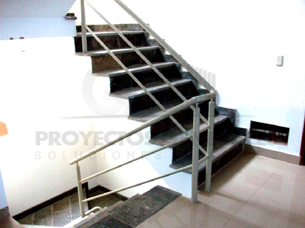 Gp proyectos baranda 004 for Barandas de madera para escaleras interiores
